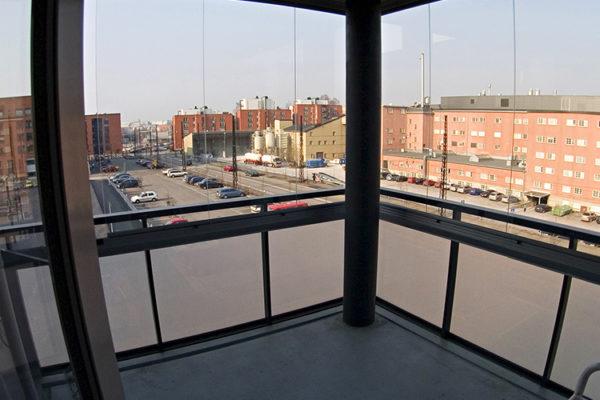 Панорамные окна на балкон офиса