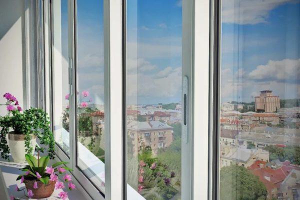Раздвижные окна в лоджию