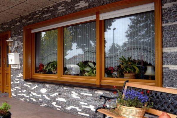 Окно для дачного дома из дерева